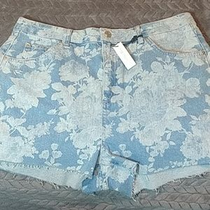 NWOT Topshop High Waisted Frayed Denim Shorts
